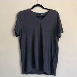 H&M basic navy t-shirt!